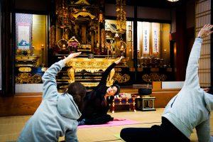 お寺ヨガ イメージ